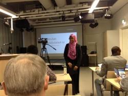 Kontulan somalialaiset ry:ssä on mukana nuoria, Suomessa kasvaneita toisen polven somalialaisia. Kuva esittelytilaisuudesta 23.1.2013.